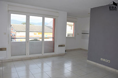 A VENDRE 83640 SAINT ZACHARIE APPARTEMENT TYPE 2 DE 43 M² AVEC BALCON ET PARKING PRIVATIF